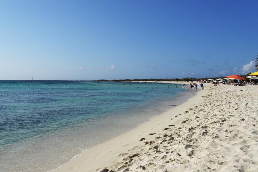 Arashi Beach auf Aruba, Karibik