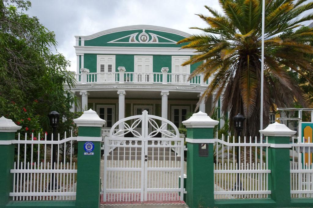 Stadthaus in Willemstad, Curacao im Stadtteil Scharloo
