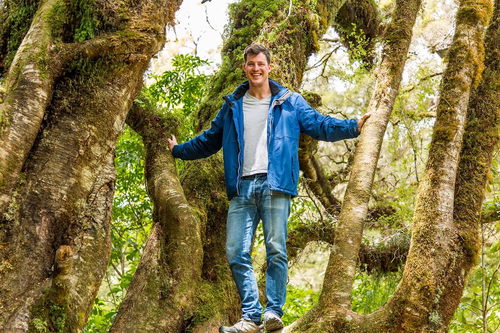 thestruggleisreal: Über uns Alex im Wald in Neuseeland