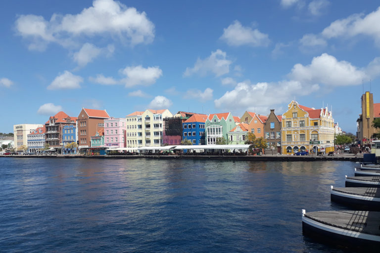 Sehenswürdigkeiten Willemstad Handelskade auf Curacao