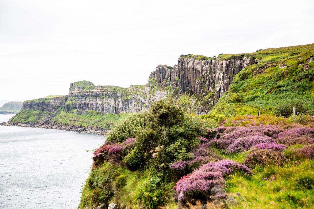 Felsenküste in Schottland