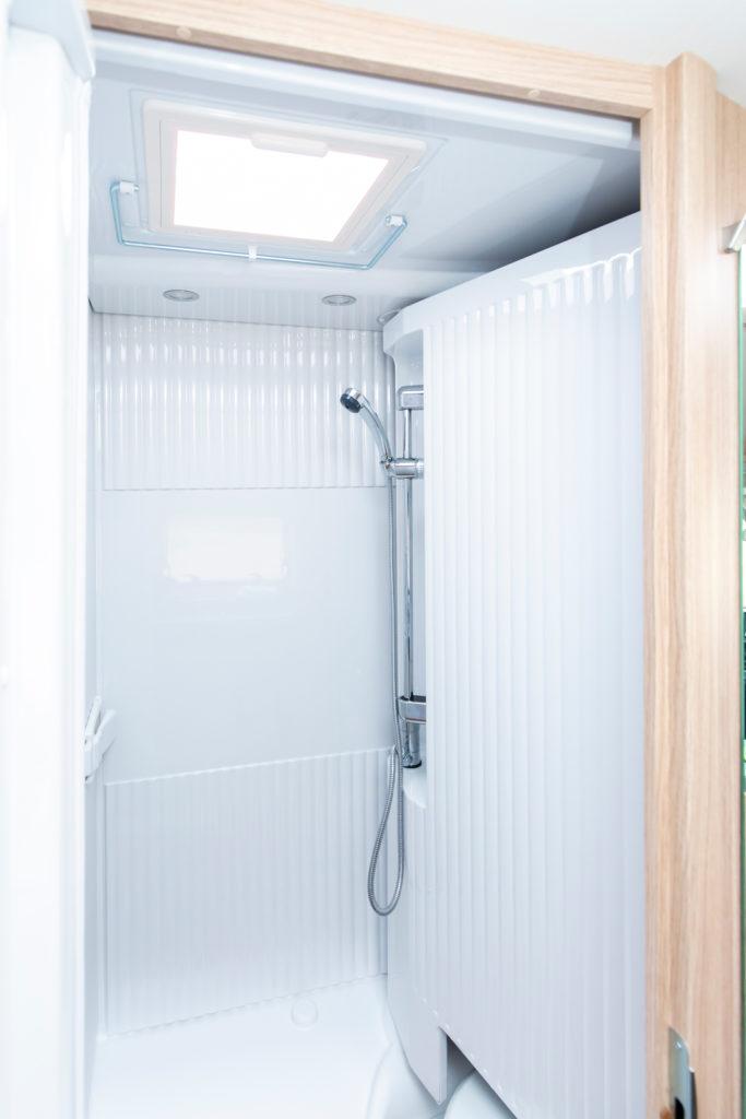 Die Dusche im Sunlight V60